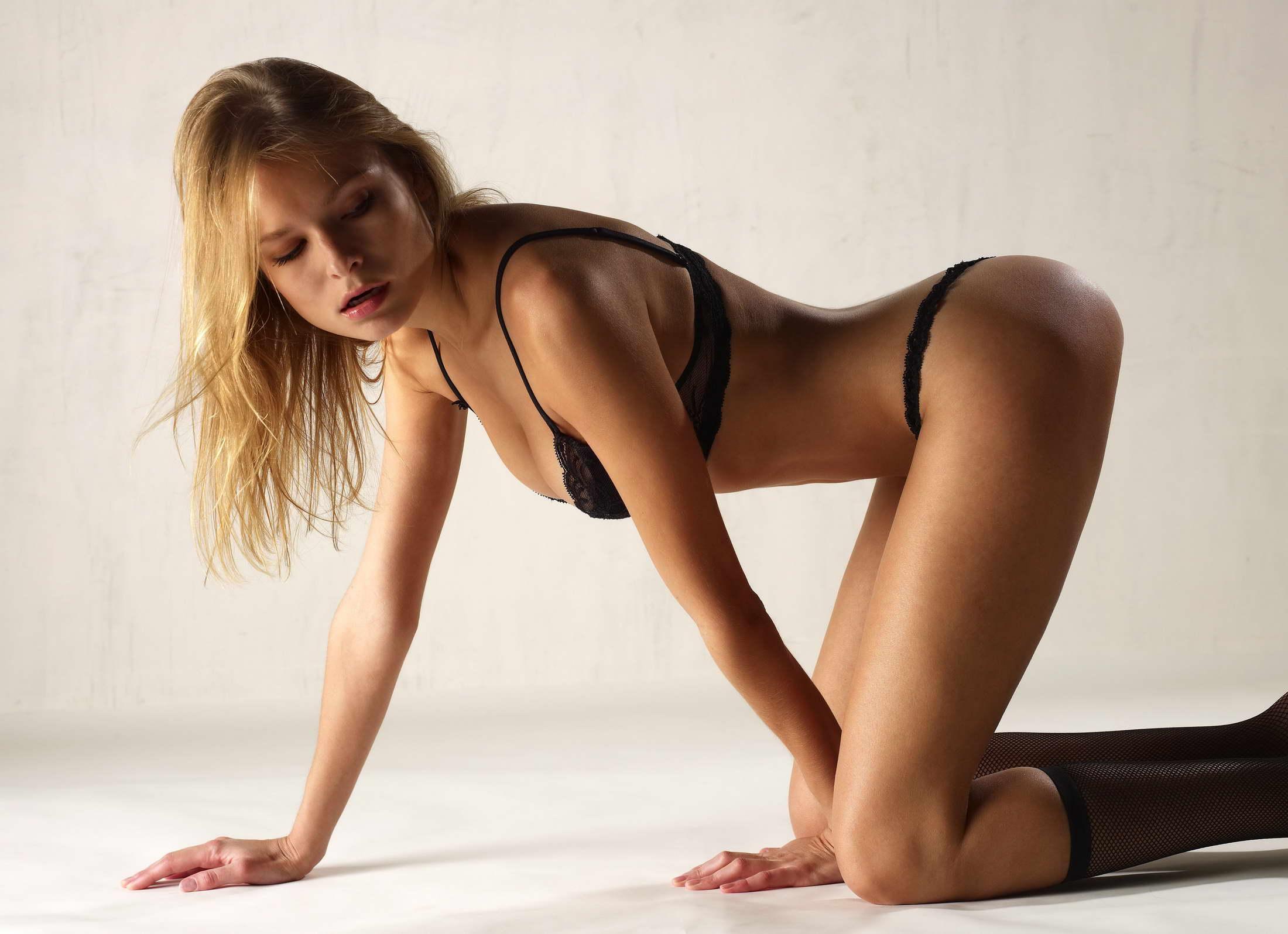 Amazing Flexible Brunette