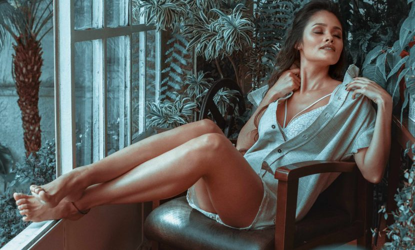 Hot Leggy Lady